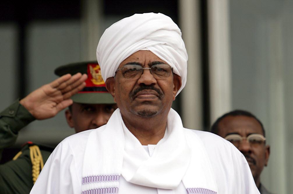 الرئيس السوداني عمر البشير - السودان : إعلان حالة الطوارئ لمدة عام وحل الحكومة