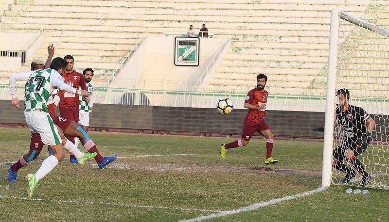 صور من مباراة العربي والنصر