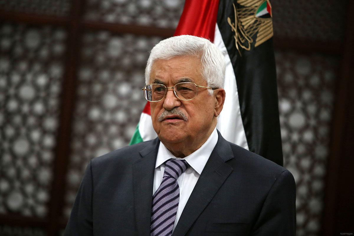 الرئيس الفلسطيني محمود عباس - الرئاسة الفلسطينية: قرار إغلاق باب الرحمة بالأقصى استمرار للتصعيد ضد القدس