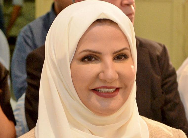 منيرة الهويدي - منيرة الهويدي..أول إمرأة تتولى منصب وكيل وزارة الإعلام
