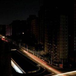 بعد حادث قطار رمسيس.. السيسي يُعين قائدًا بالجيش وزيرًا للنقل في مصر