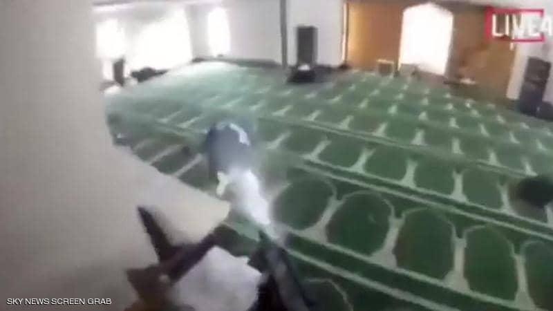 1 1235879 - مجزرة بشعة في حق 49 مسلما في نيوزيلندا والمجرم يصور الوقائع كاملة !!