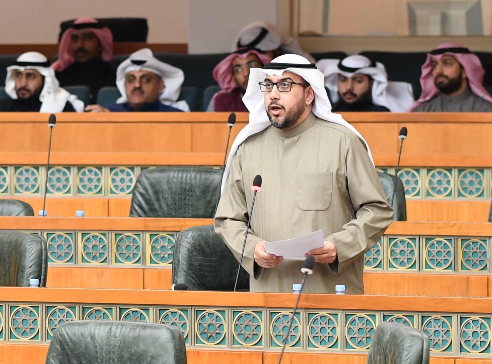 IMG ٢٠١٧١٢١٩ ١٦١١٥٨ - «الشاهين» يسأل «بوشهري» عن عدد الموظفين الحكوميين المحالين للتحقيق بسبب أزمة الأمطار