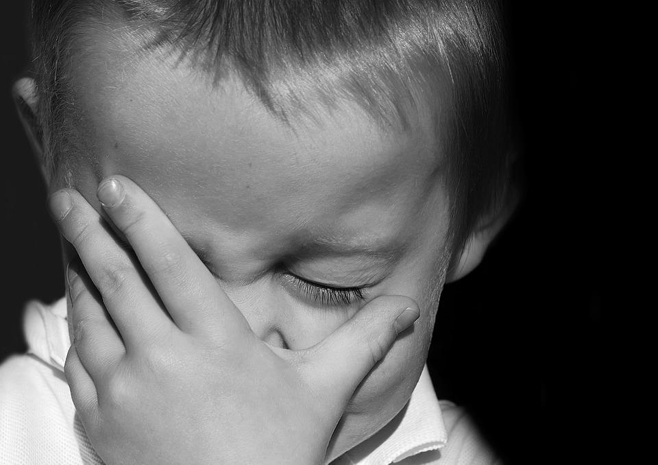 "crying - ""الوحش العسكري"" خطف 3 اطفال وهتك عرض احدهم"