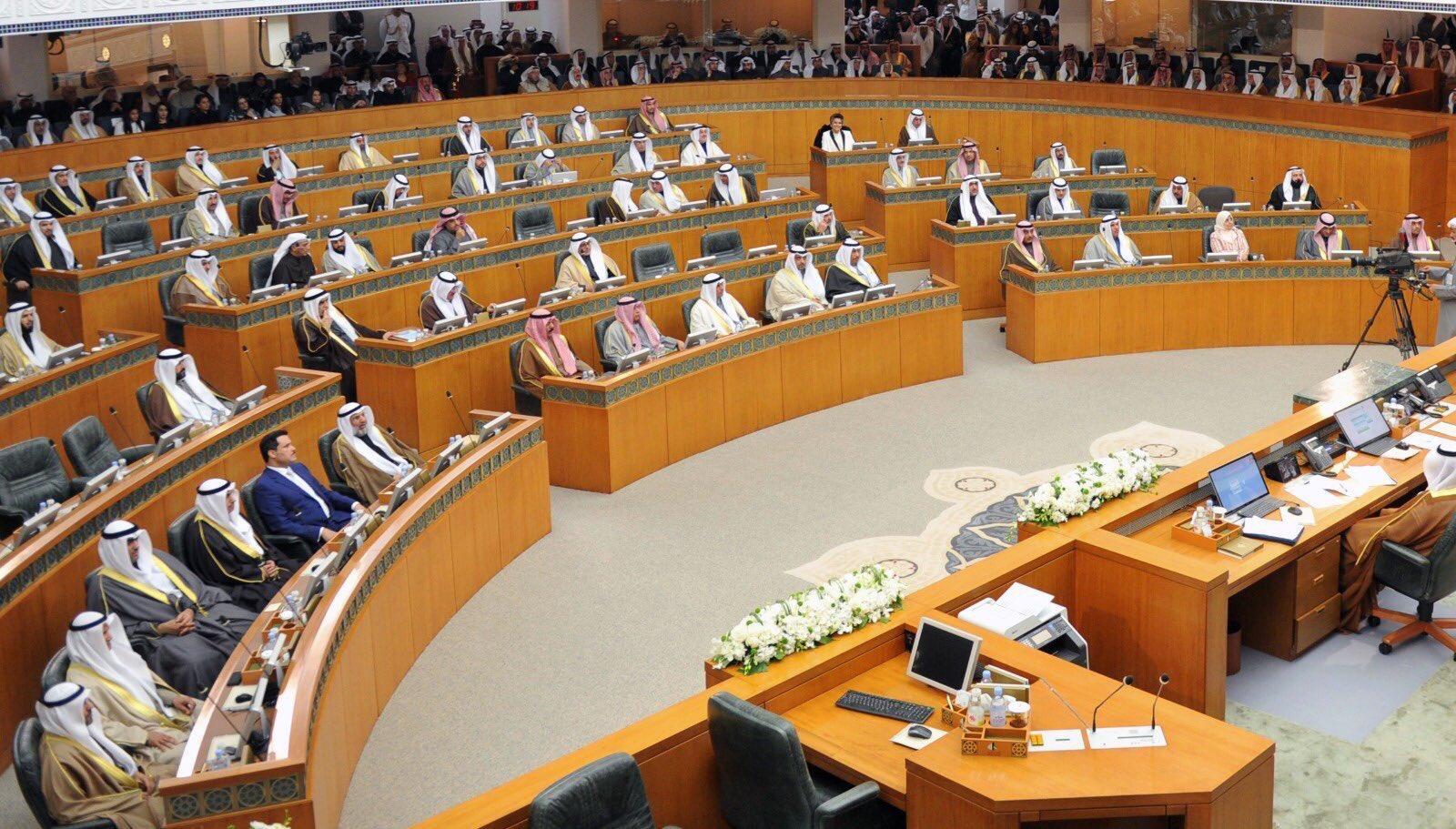 IMG ٢٠١٧٠٩٢٥ ١٤٢٦١٩ - 3 طلبات تتعلق ب البدون و أزمة الوظائف الحكومية و تزوير الجناسي على طاولة المجلس الثلاثاء