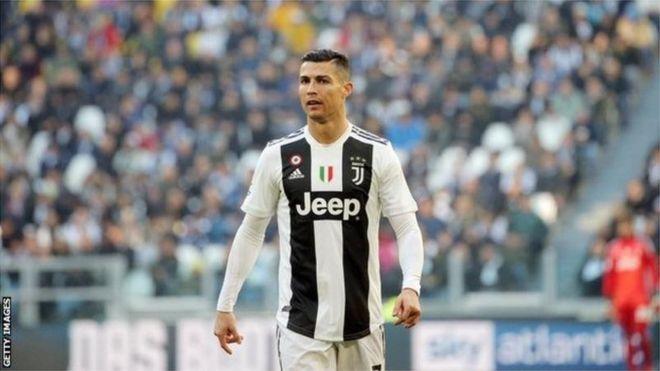 105139629 7c6d2283 1b44 43e5 a348 fcc5ab470f67 1 - رونالدو يريد من إدارة يوفنتوس التعاقد مع 3 لاعبين من برشلونة