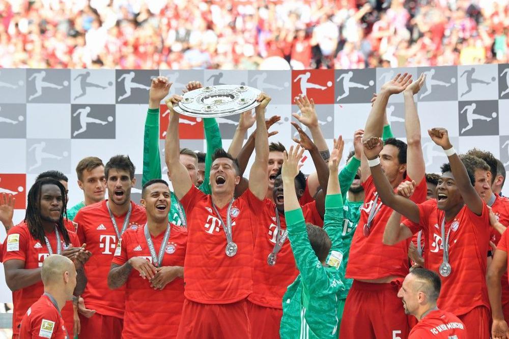 2704345 Bayern Munich - بايرن ميونخ يكتسح فرانكفورت ويتوج بلقب الدوري الألماني