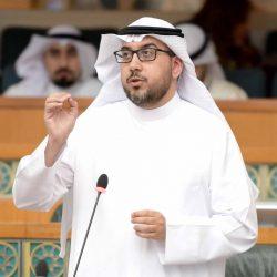 الوزير الحربي يقدم وعده لجميع عاملي وزارة التربية