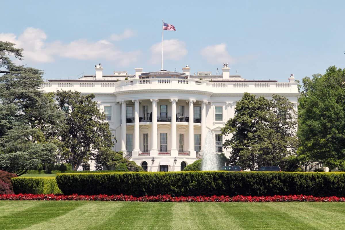 البيت الأبيض - إغلاق البيت الأبيض بسبب اكتشاف طرد مشبوه