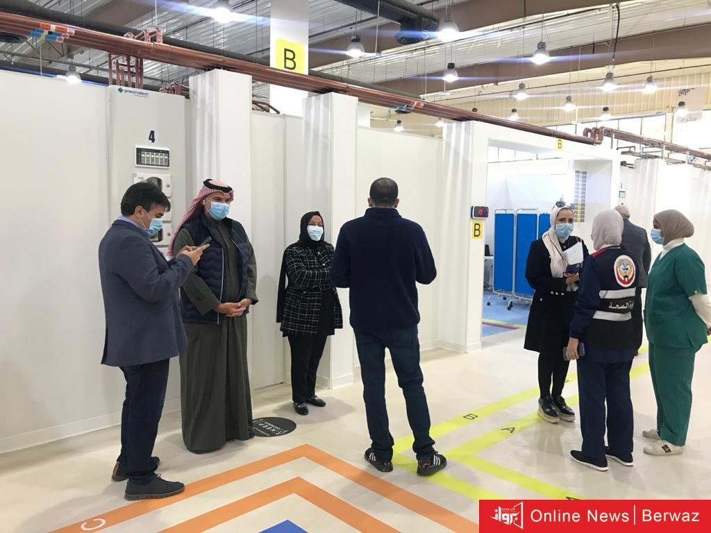 33 - لليوم الثاني على التوالي إقبال ملحوظ على مركز الكويت للتطعيمات لتلقي لقاح كورونا