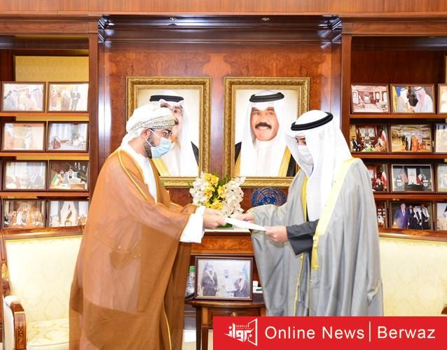 1020077 2 - الشيخ أحمد الناصر يتسلم رسالة خطية من سلطان عمان إلى صاحب السمو