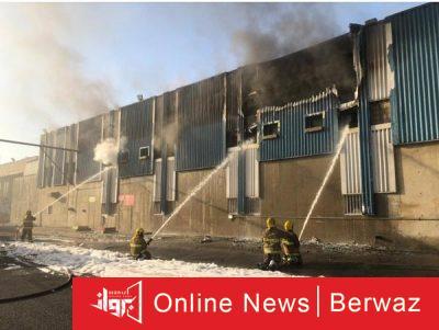 فرق الإطفاء 2 400x301 - فرق الإطفاء تسيطر على حريق بمصنع للمرطبات بمنطقة صبحان