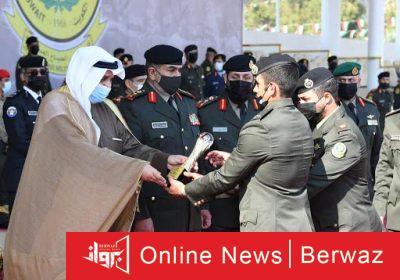 وزير الدفاع 2 400x280 - وزير الدفاع يشهد حفل تخرج طلبة ضباط كلية علي الصباح العسكرية