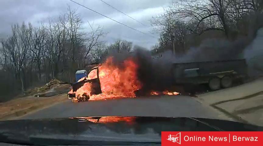 image 1 7 - بالفيديو  اشتعال شاحنة مسرعة على شارع بأركنساس
