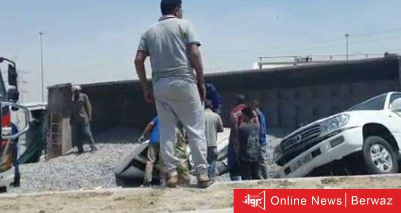 942166 - إغلاق طريق الدائري السادس عقب انقلاب نساف صلبوخ وتسببه في عدد من الحوادث والإصابات