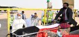 هذه هي هوية الشخص الذي قام بإنزال نعش الأمير الراحل الشيخ صباح الاحمد من الطائرة