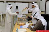 وكالة بلومبيرغ الأمريكية: الناخبين الكويتيين استبدلوا أكثر من نصف أعضاء مجلس الأمة