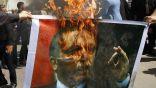 سوريون يحرقون صورة أردوغان في إدلب