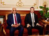 الغانم وعبدالعال يبحثان سبل التعاون المشترك بين البلدين في القاهرة