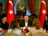 أوزيل يفطر مع أردوغان ويشغل غضب الألمانيين مجددا
