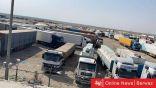 شلل بمنفذ السالمي بسبب اعتصام «الجمارك» وتعطل دخول 400 شاحنة محملة بالمواد الغذائية والإنشائية إلى البلاد