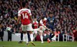 أرسنال يهزم مانشستر يونايتد بثنائية وينفرد بالمركز الرابع في الدوري الإنجليزي