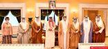 ولي العهد يطمئن الغانم وأعضاء مكتب المجلس على صحة سمو الأمير