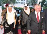 العاهل الأردني يطمئن على صحة سمو الأمير