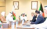 وزير التجارة يدرس تعزيز التنافسية مع مسؤولين في البنك الدولي